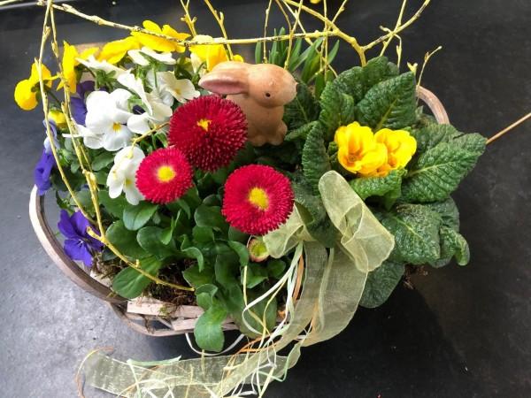 Dekostecker und Blumen variieren